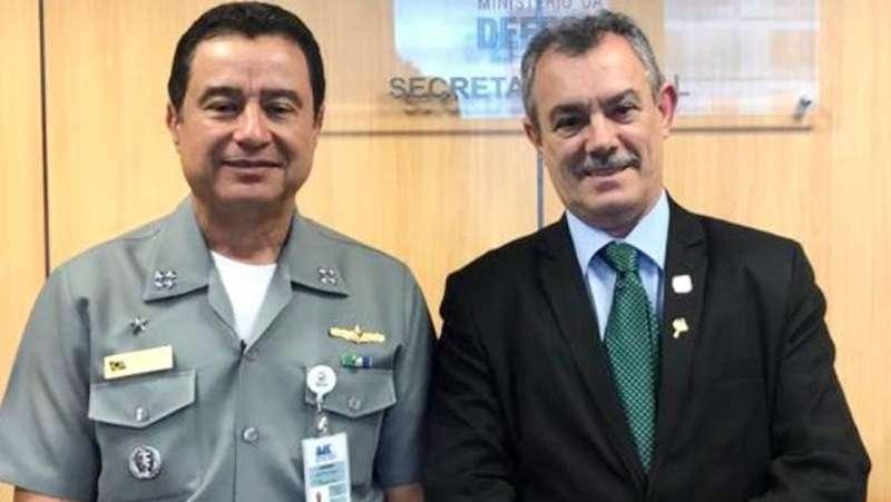 Na foto: Alm. e o Des. Baltazar Miranda Saraiva