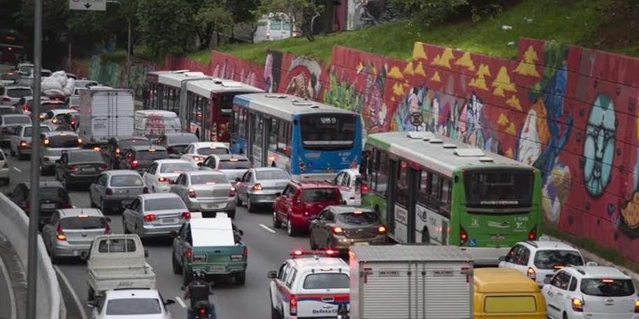 Trânsito em São Paulo. Foto: Fotos Públicas / Oswaldo Corneti